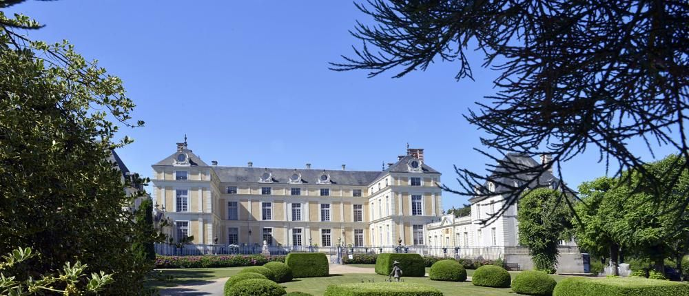 Welcome to the new website of Château Colbert